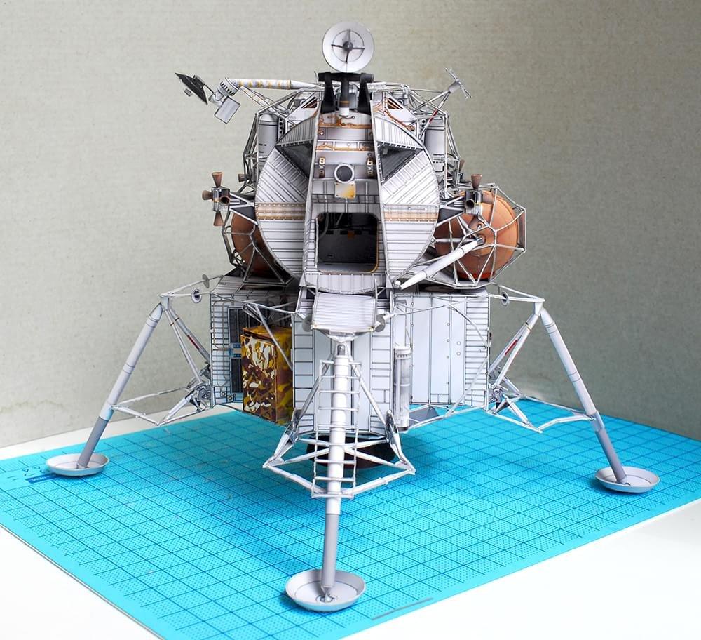 Miniaturas incríveis de papel recriam as espaçonaves mais famosas do cinema