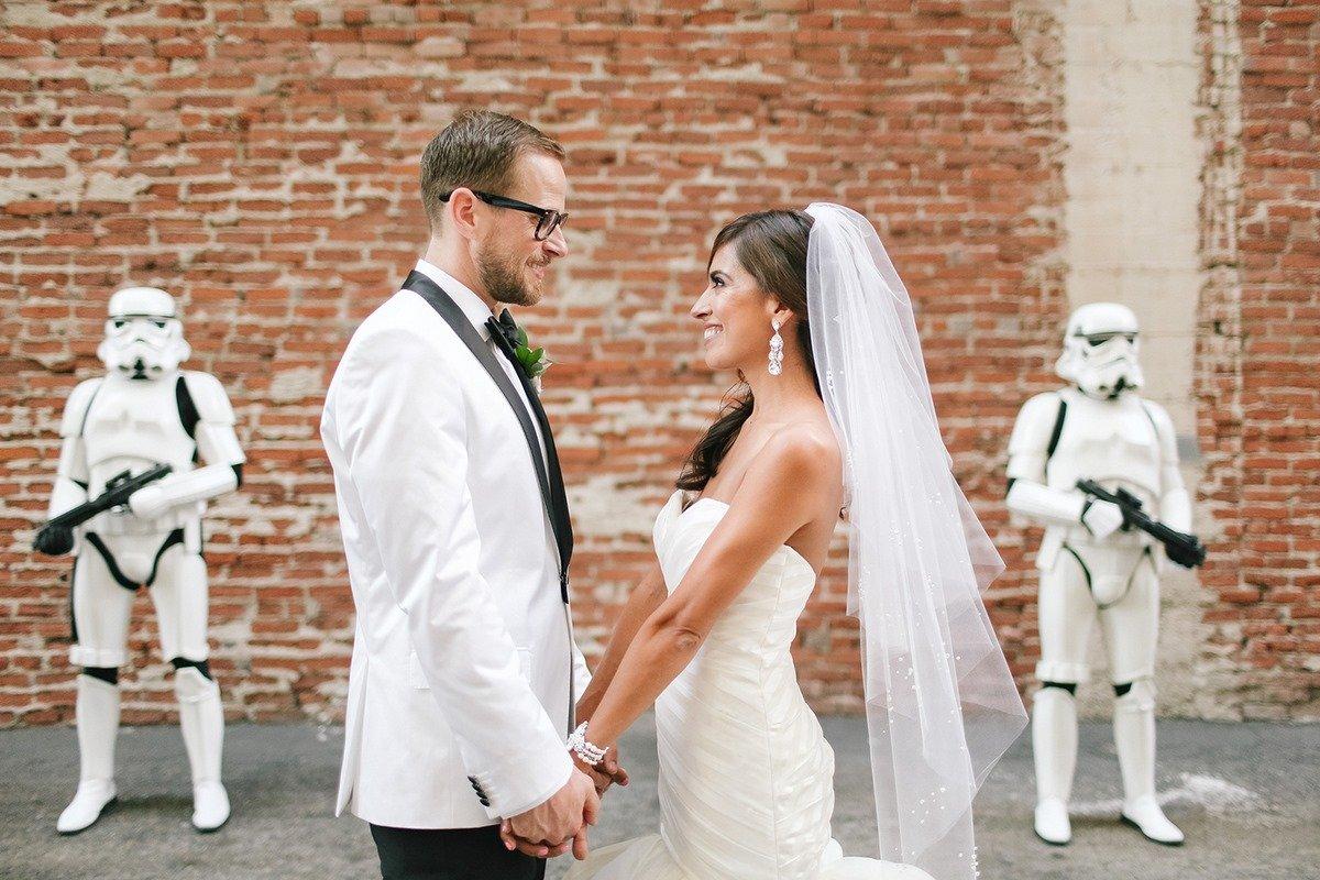 Veja fotos de um lindo casamento com temática de Guerra nas Estrelas