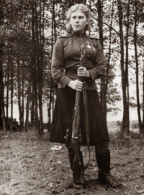 A história da atiradora Roza, que aos 19 anos participou da Segunda Guerra