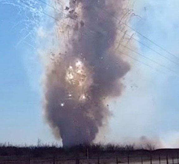 Boom! Polícia dos EUA queima 10 mil kg de fogos de artifício apreendidos