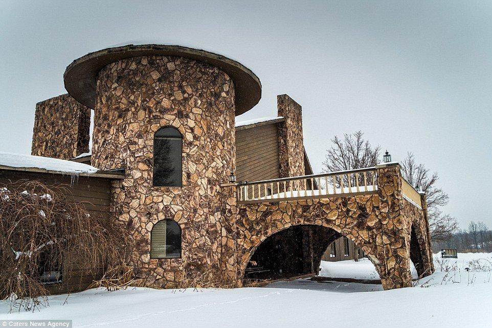 Antiga mansão do boxeador Mike Tyson será transformada em igreja