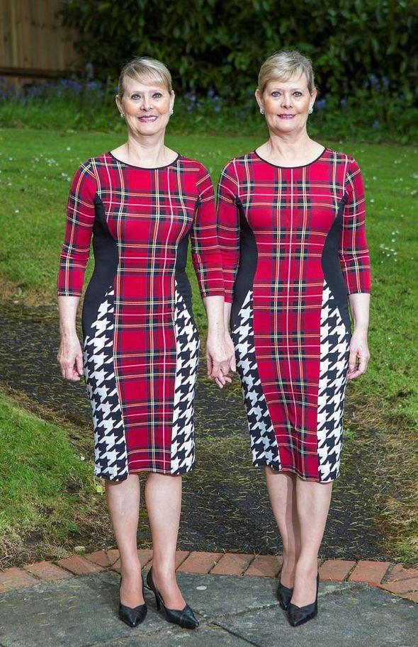 Aos 60 anos, gêmeas se vestem exatamente igual todos os dias