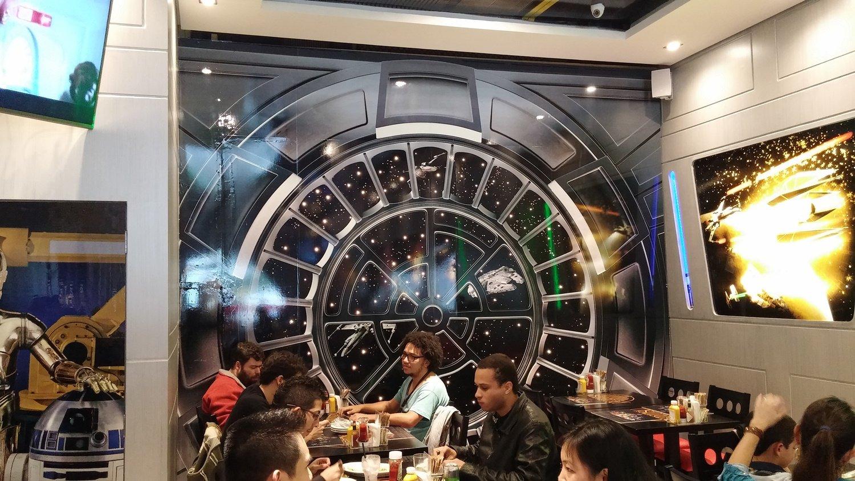 Ainda não foi ao restaurante com temática de Star Wars em SP? Fomos visitar
