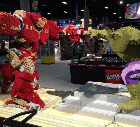 Veja a versão da luta entre Hulk e Hulkbuster feita com peças LEGO [vídeo]