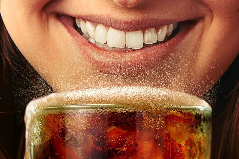O que acontece no seu corpo quando você toma Coca-Cola? - Mega Curioso