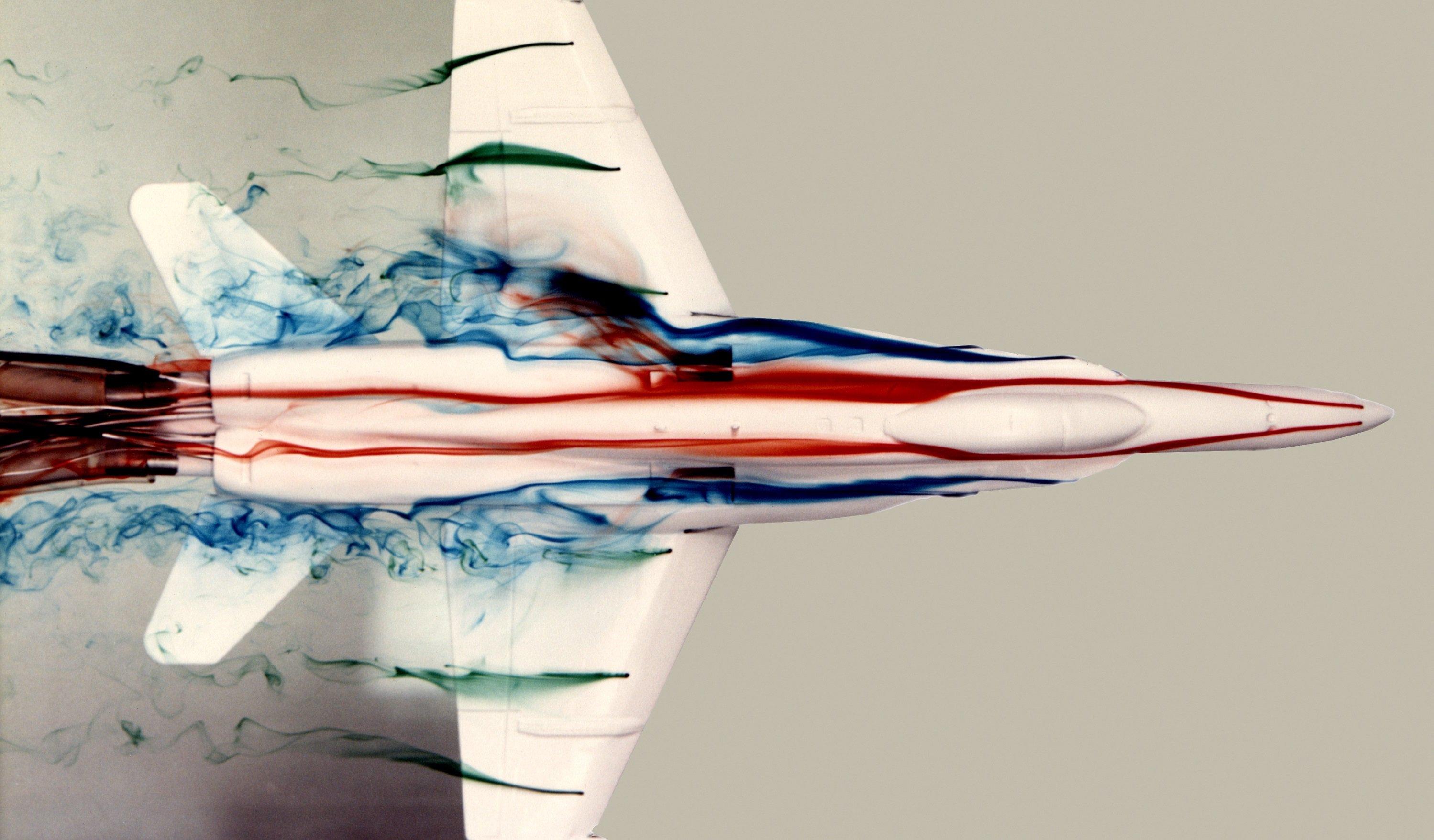 NASA testou um F-18 debaixo da água, e as imagens disso são incríveis