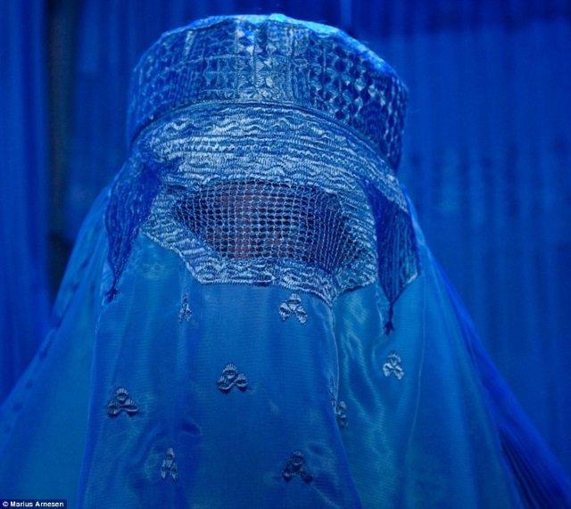 Garfors, debaixo da burqa