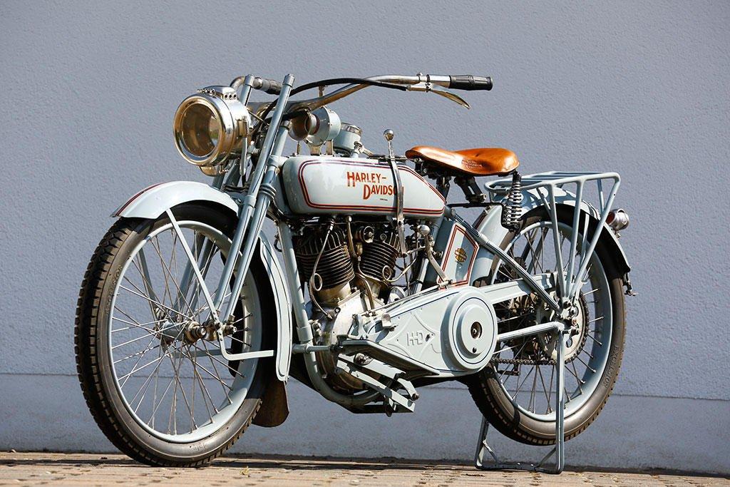 A Harley-Davidson 16F, mesmo modelo utilizado por Ricardo Wagner
