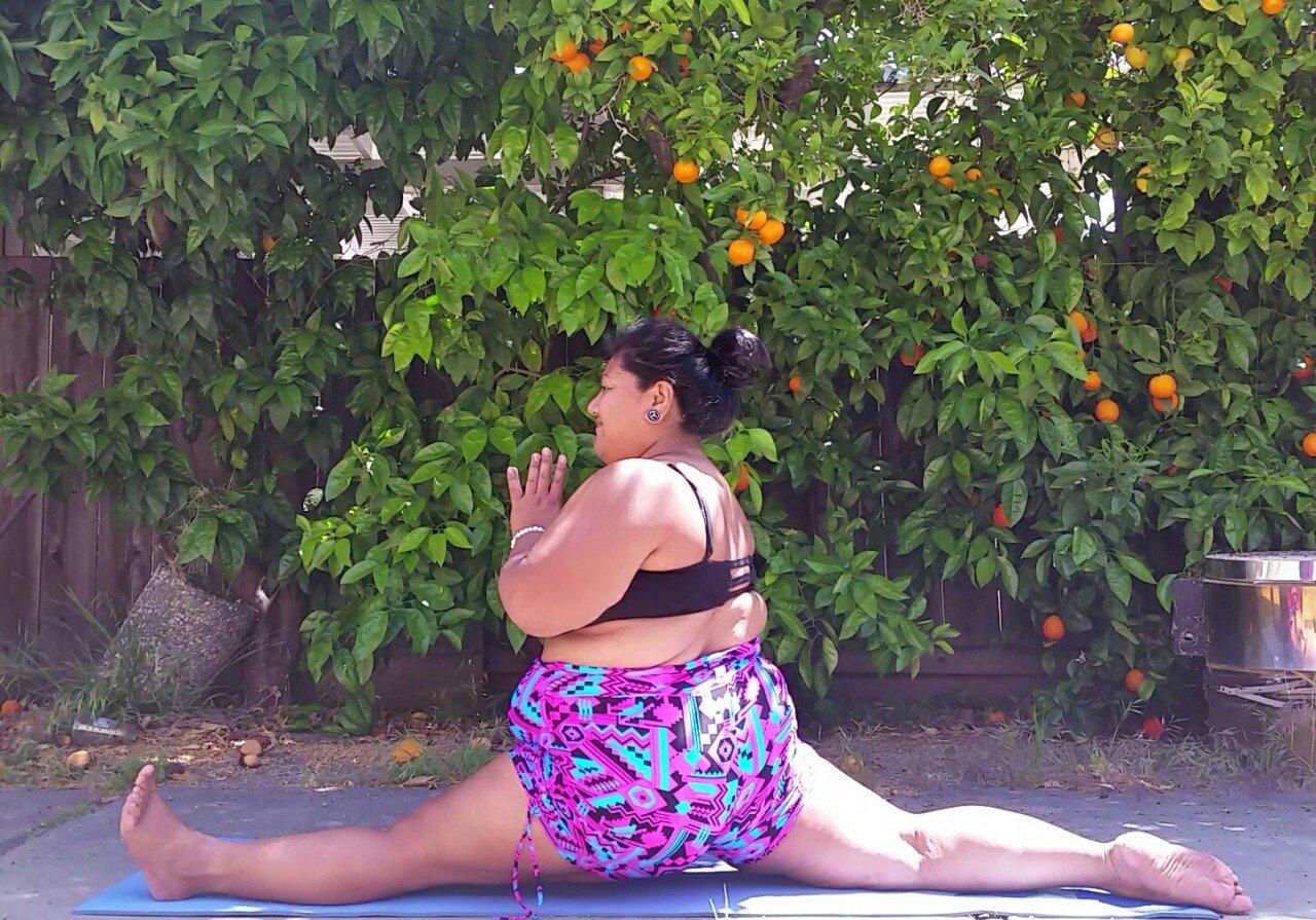 Conheça a incrível história de Big Gal Yoga [galeria]