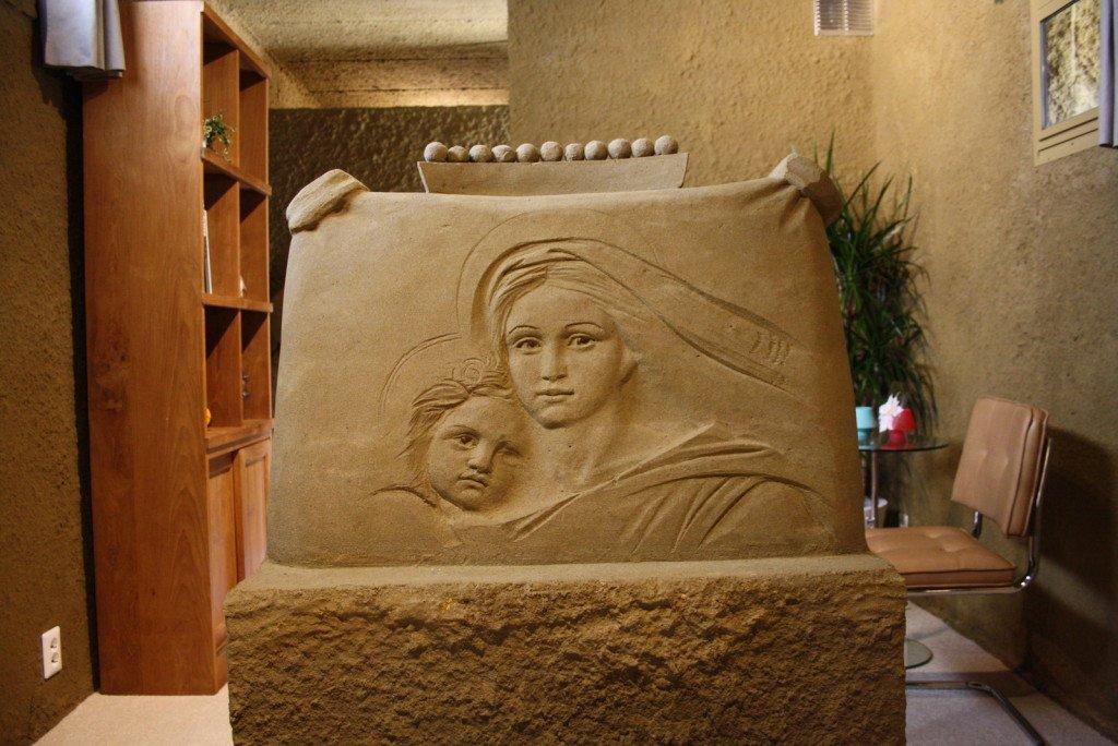 """Sensacional! Conheça o primeiro """"hotel castelo de areia"""" do mundo"""