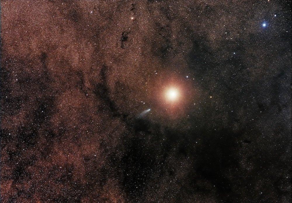 Vencedor do prêmio de Escopo Robótico - Comet C/2013 A1 alongside Mars por Sebastian Voltmer (Alemanha)