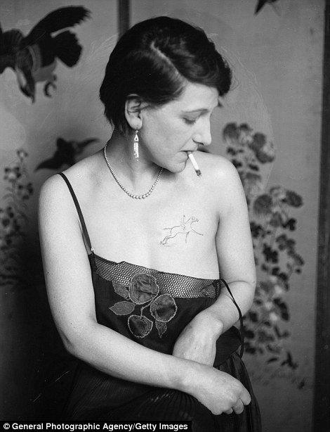 Fotografias mostram como eram as tatuagens antes da década de 60