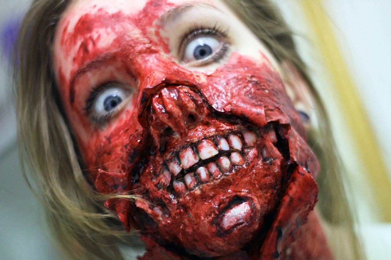 Maquiagens horríveis de Halloween que vão revirar seu estômago