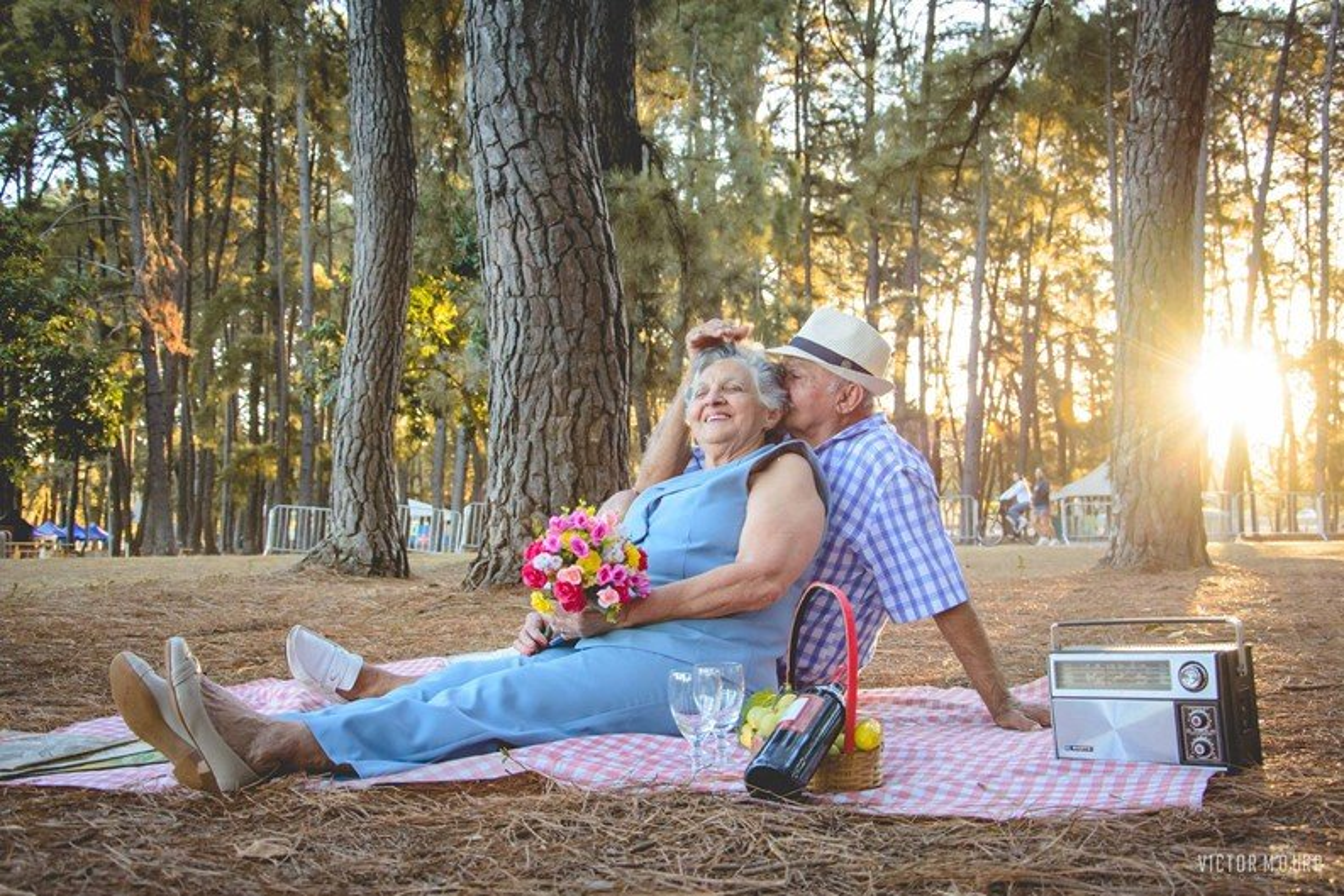 Love is in the air: casal comemora 60 anos de união com ensaio encantador