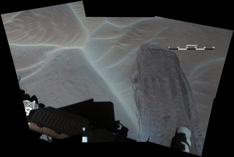 Sonda Curiosity registra imagens de dunas de areia em Marte [galeria]