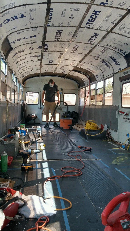 Começando os tratos por dentro do ônibus