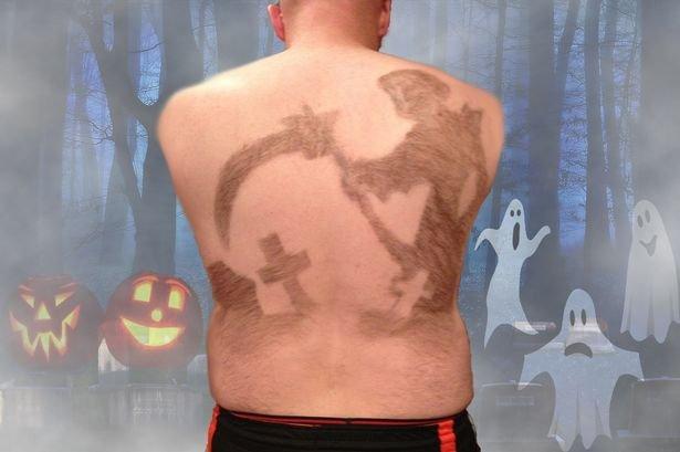 Homem cria formas em suas costas através do design de pelos