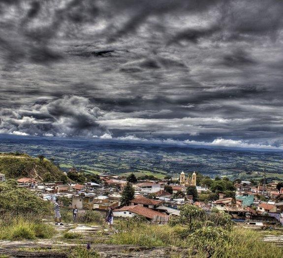 Ouça o barulho misterioso no céu que espantou moradores de cidade mineira