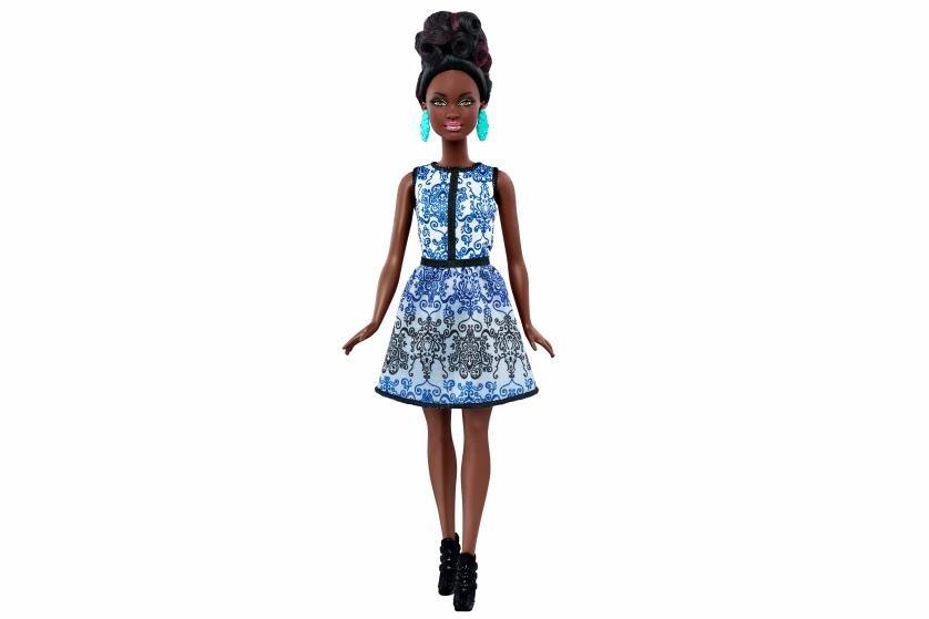 Mudança radical: boneca Barbie ganha o visual da mulher contemporânea