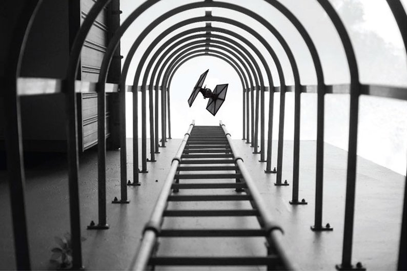 Yu Wei tirou a foto das escadas e não esperava registrar um TIE Fighter