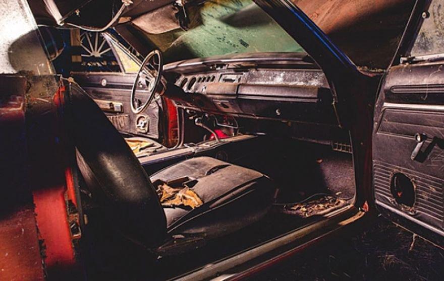 Joias sobre rodas 2: confira mais 5 carros abandonados que valem milhões