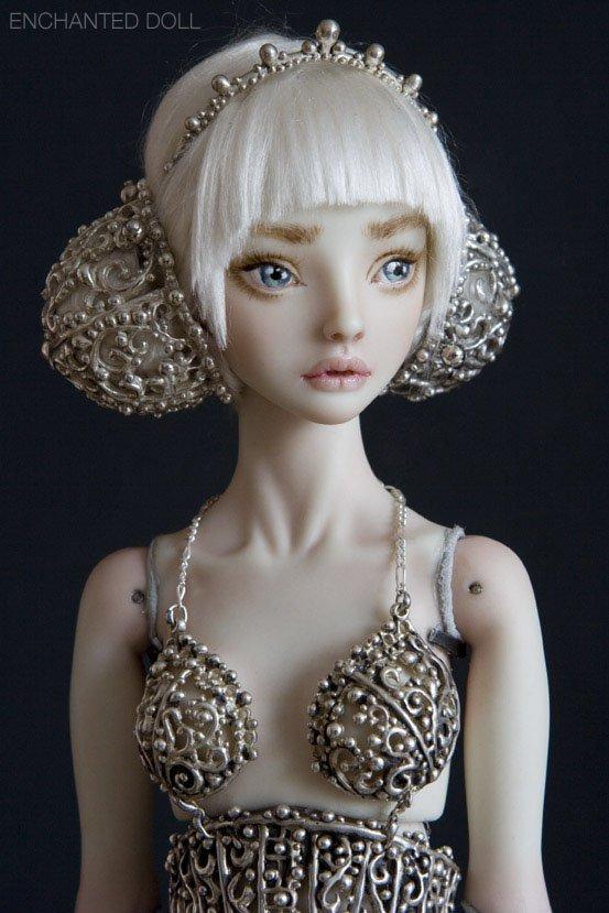 Veja as bonecas assustadoramente realistas da russa Marina Bychkova