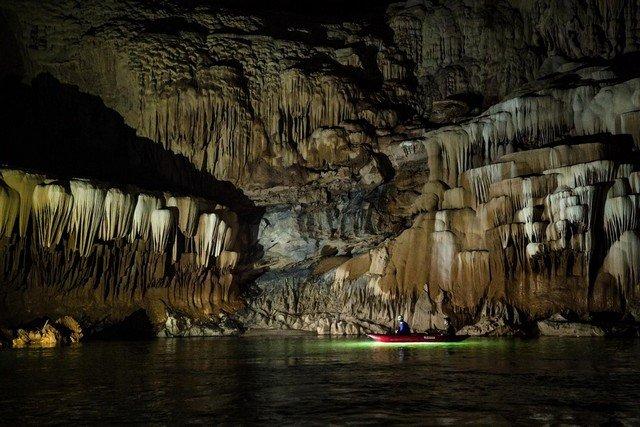 As imagens deste rio cavernoso vão deixar você perplexo, feliz e relaxado