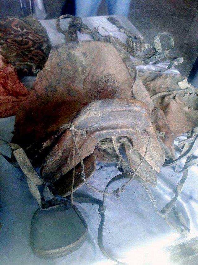 Múmia de 1,5 mil anos é encontrada usando tênis – como isso é possível?