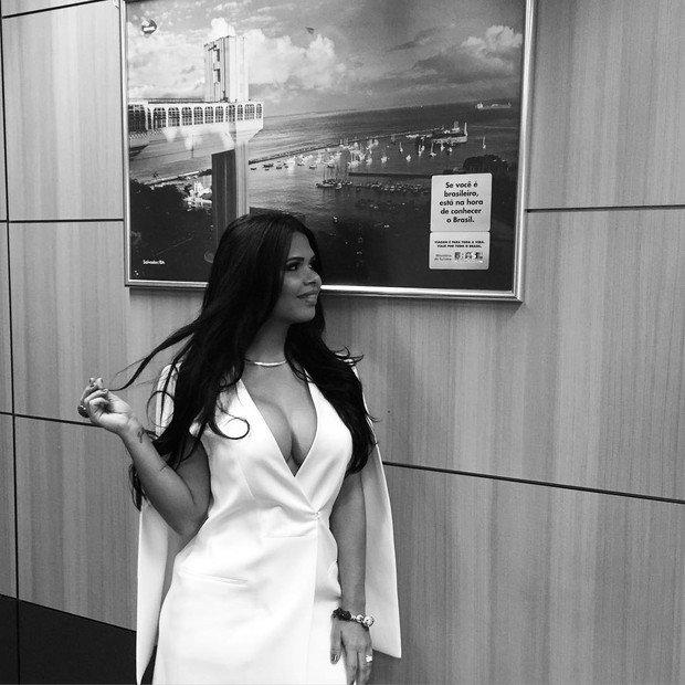 Milena Santos no gabinete do marido