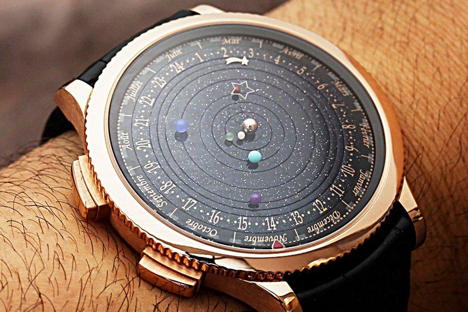 Conheça o relógio que mostra a órbita dos planetas em tempo real - Mega Curioso