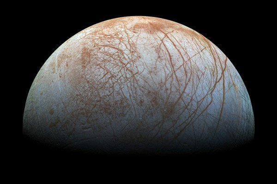 Lua de Júpiter poderia abrigar formas de vida em seus oceanos gelados - Mega Curioso