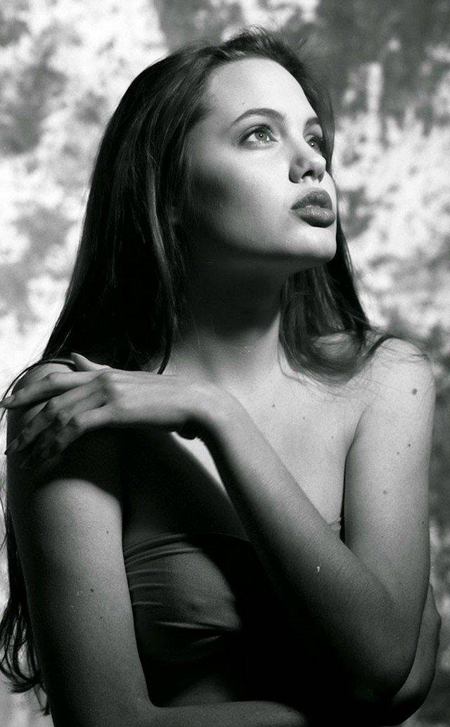 19 fotos maravilhosas de Angelina Jolie aos 15 anos de idade