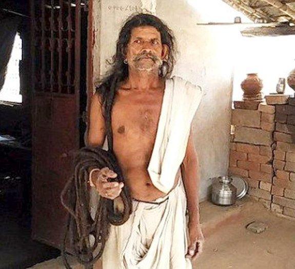 Homem com 19 metros de cabelo considera se candidatar ao Guinness