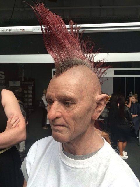 Este senhor punk é, na verdade, uma jovem modelo