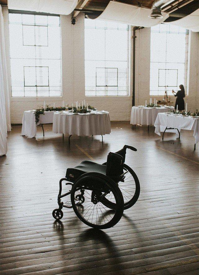Noiva cadeirante surpreende ao voltar a andar no dia de seu casamento