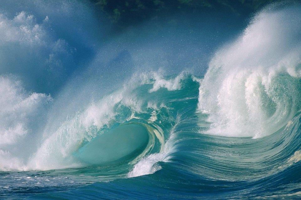 Você sabe por que o mar tem ondas? - Mega Curioso