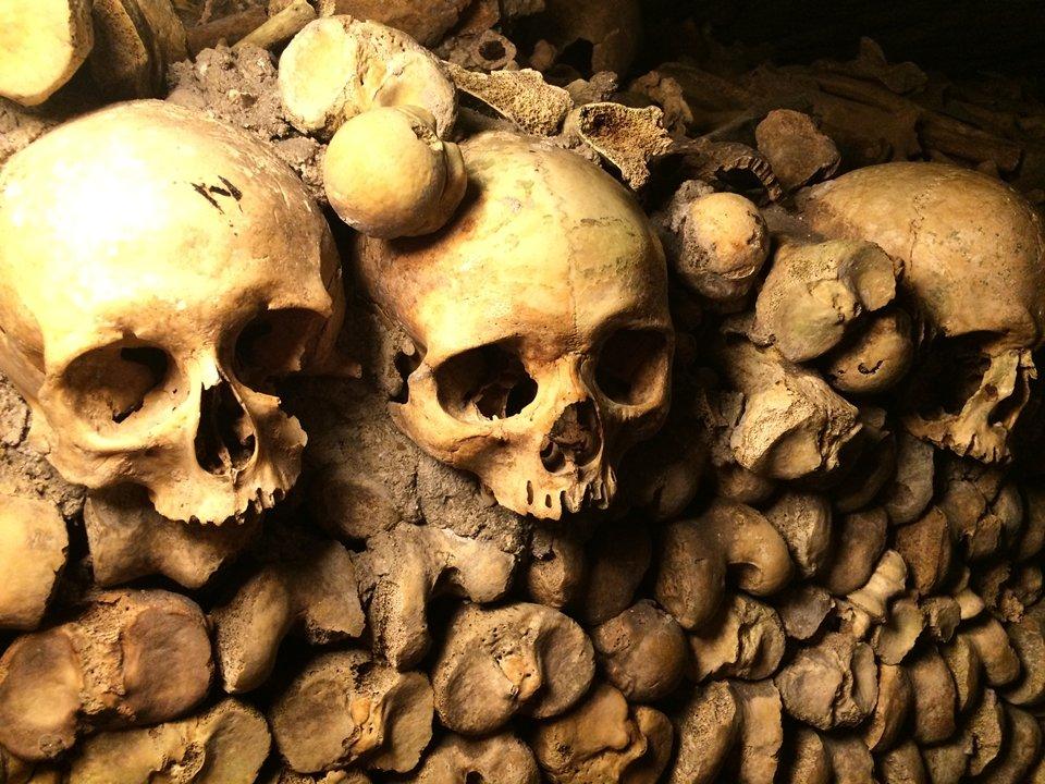Embaixo de Paris estão os restos mortais de 6 milhões de pessoas - Mega Curioso