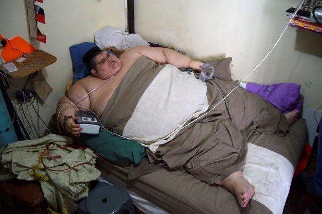Após 6 anos sem sair da cama, homem superobeso é encaminhado a tratamento