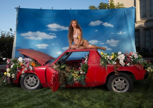 Beyoncé bate recorde de foto mais curtida no Instagram em menos de 24 horas