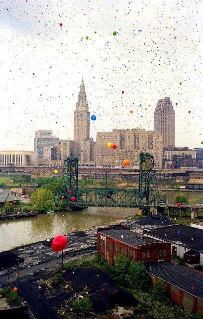 Por que você não deve soltar 1,5 milhão de balões de uma vez só