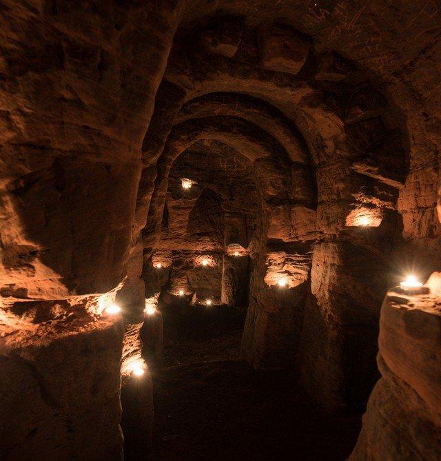 País das Maravilhas: a toca que leva a um templo medieval subterrâneo