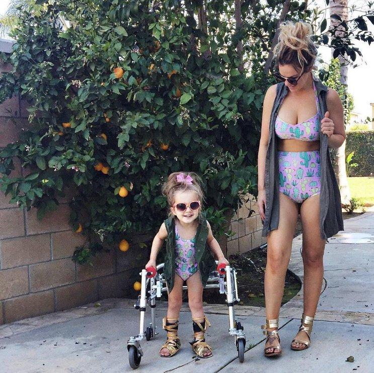 A garotinha com paralisia cerebral que virou modelo no Instagram