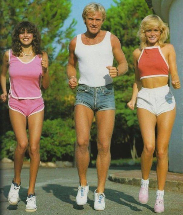 Acha os shorts de hoje curtos demais? Então veja como eram nos anos 70