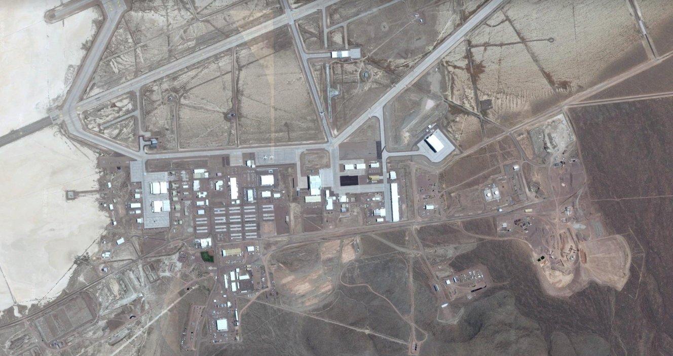 """Quase """"Top Secret"""": veja como a Área 51 evoluiu ao longo dos anos"""