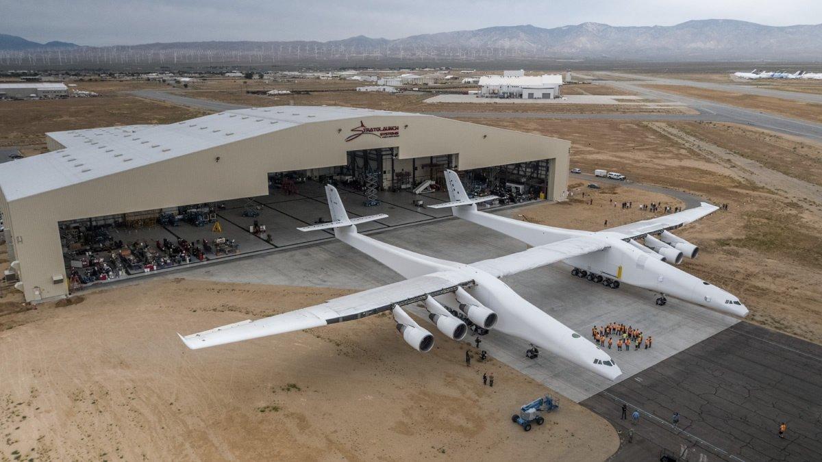 Maior aeronave do mundo começa a ser testada