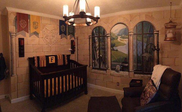 Fãs de Harry Potter transformaram o quarto do filho em Hogwarts