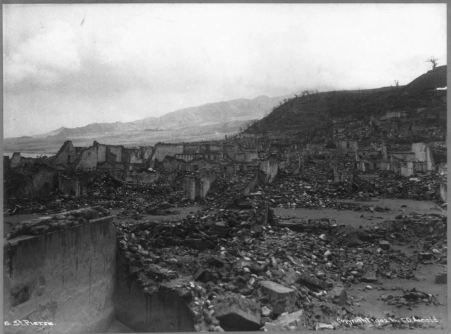 Cidade em ruínas