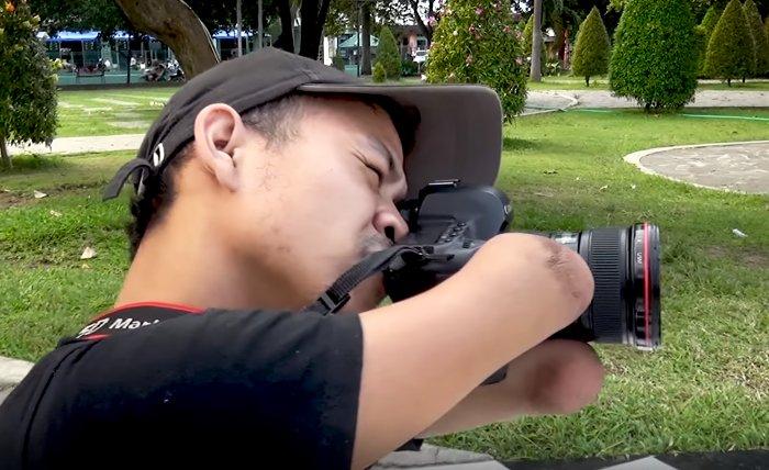 Conheça o trabalho do fotógrafo que não tem mãos nem pernas