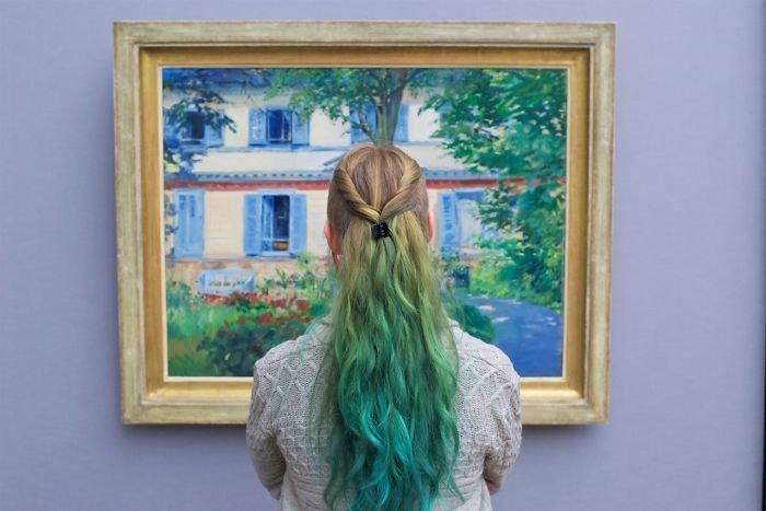 Fotógrafo visita museus e faz fotos de pessoas que combinam com as obras