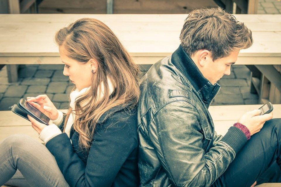 Como e por que a tecnologia está acabando com as relações afetivas - Mega Curioso